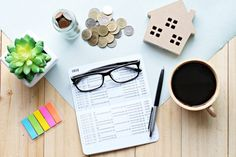 How to Manage Your Personal Finances - Your Financial Forecast Personal Financial Management, Financial Goals, Financial Planning, Personal Finance, Free Credit Score, Credit Check, Personal Insurance, Helpful Hints, Saving Money