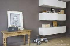 love this color and the look ---- maybe chalkboard paint? Besta 2 kasten evt met lack plank ertussen
