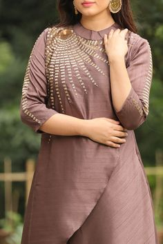 Modish Brown Suit with Detailing - Mohey Churidar Designs, Kurti Neck Designs, Kurti Designs Party Wear, Hand Embroidery Dress, Kurti Embroidery Design, Party Wear Kurtis, Stylish Blouse Design, Silk Saree Blouse Designs, Indian Fashion