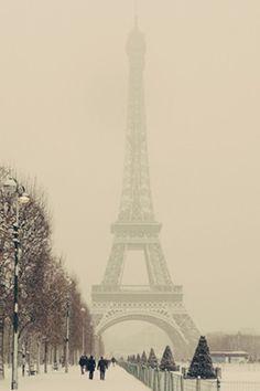 Winter in Paris - Android Wallpaper