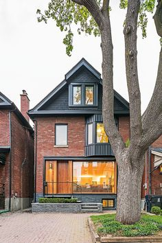 41 Ideas house fachada ladrillo for 2019 Design Exterior, House Paint Exterior, Exterior House Colors, Future House, Red Brick Exteriors, Canadian House, Toronto Houses, Facade House, House Front