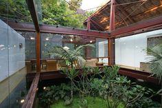 estrutura metalica e vidro