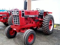1976 IH 1466 Black Stripe Vintage Tractors, Vintage Farm, Brush Truck, Farmall Tractors, Classic Tractor, Heavy Machinery, Case Ih, International Harvester, Train Car