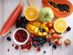 Details of the study-How to be happy? Here\'s the answer | The Times of India Fruit List, Eat Fruit, Healthy Dinner Recipes, Healthy Snacks, Healthy Eating, Healthy Tips, Slimming World Free Foods, Syn Free Food, Apple Cider Vinegar Remedies