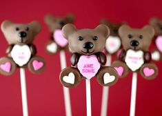 Valentines Day Cake Pops - The cake pop queen, known as Bakerella, kick started the lead up to Love Fest with these darling Valentine's Day Cake Pops. Riffing on the ste. Valentines Day Cakes, Bear Valentines, Valentines Recipes, Teddy Bear Cakes, Teddy Bears, Conversation Hearts Candy, Hobby Lobby Crafts, Cake Pop Tutorial, Cake Pop Maker