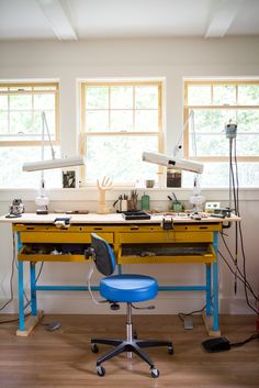 Carla's studio workbench where Carla Caruso Jewelry is made! The studio was remodeled with this shed roof dormer to let in more natural light. Photo by Chattman Photography for Carla Caruso Design*Sponge Sneak Peek. Office Workspace, Office Decor, Home Office, Dream Studio, Home Studio, Studio Spaces, Workshop Studio, Workshop Ideas, Banquette