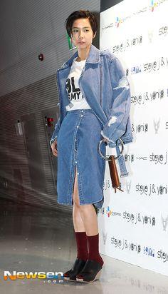 [포토엔]김나영 '청남방 잘라만든 스커트 눈길'