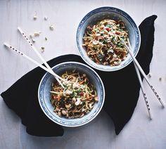 Seesaminuudelit | Sesame noodles | Suusta suuhun | Lily.fi
