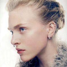 Piercings de orelha tem poder de influenciar vontades?