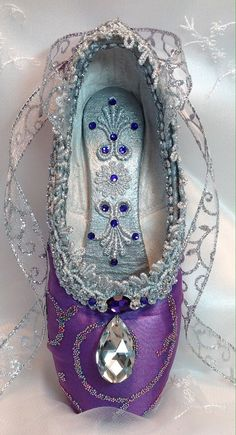 Spectacular dark purple and silver decorated by DesignsEnPointe