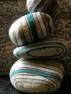 Another great way to paint pebbles, could use sharpies on this perhaps to make it easier for kids/shaky hands.