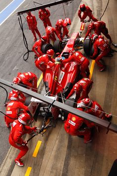 Barcelona, Spain - May Fernando Alonso of Spain and Ferrari stops for a pitstop during The Spanish Formula One Grand Prix at Circuit de Catalunya. Photo by Paul Gilham/Getty Images Ferrari Scuderia, Ferrari F1, F1 Racing, Racing Team, Drag Racing, Racing Helmets, Grand Prix, Fernando Alonso Ferrari, Stock Car