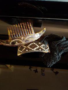 Pettini ornamentali e guanti di pizzo  fine '800 di mia nonna!