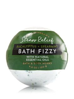 68 trendy bath and body works aromatherapy lip balm Body Scrub Recipe, Diy Body Scrub, Natural Essential Oils, Natural Oils, Coconut Oil Body Scrub, Lip Scrub Homemade, Bath Fizzies, Bath And Bodyworks, Smell Good