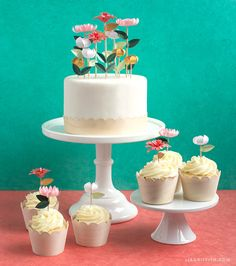 Pretty Floral Cake Toppers (membership required for pattern)