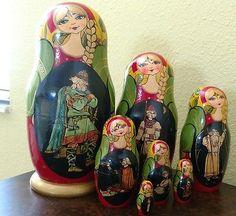 7 pc Unique Vintage Russian Matryoshka Nesting Dolls.