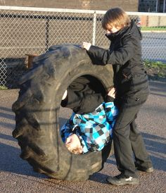 Useful article on using Tyres in School Grounds.      Gloucestershire Resource Centre http://www.grcltd.org/scrapstore/