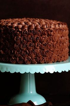 Chocolate Coffee Buttercream Frosting - i am baker Best Chocolate Cake, Chocolate Frosting, Chocolate Coffee, Chocolate Flavors, Chocolate Desserts, Delicious Chocolate, Cake Frosting Tips, Cake Icing, Frosting Recipes