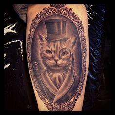 New Dogs Tattoo Portrait Cat Tat Ideas Cat Portrait Tattoos, Dog Tattoos, Cat Tattoo, Animal Tattoos, Tattoo You, Body Art Tattoos, Gato Alice, Framed Tattoo, Piercings