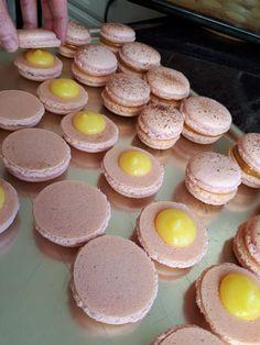 Franske makroner - krem.no Lemon Curd, Kos, Macarons, Nom Nom, Food And Drink, Cookies, Baking, Cake, Sweets