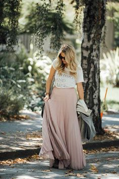 Maxi skirt outfit - perfect look for spring transition!