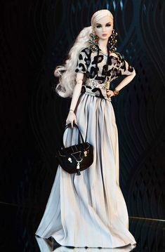 Gretel/Lilith in Tess-Creations Barbie Gowns, Barbie Hair, Barbie Dress, Barbie Clothes, Fashion Royalty Dolls, Fashion Dolls, Barbie Mode, Diva Dolls, Dolls Dolls