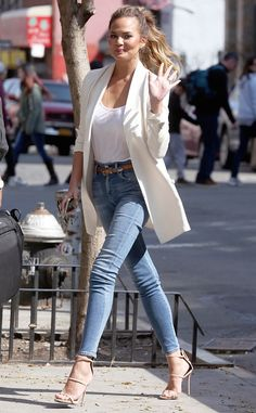 Classic skinny jeans and white tee shirt. Love how the look is dressed up with heels and a pretty, clean jacket.