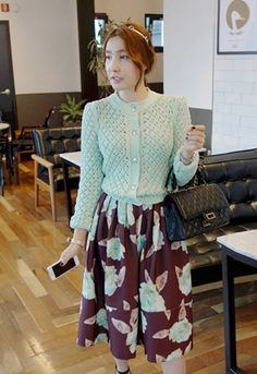 Today's Hot Pick :Floral Midi Skirt http://fashionstylep.com/SFSELFAA0014331/iriscccen/out Add that much-needed elegant element to your look with this floral midi skirt. Don this skirt with a pale pink scoop neck blouse, plus black peep toe lace up boots for maximum style. - Wide waistband - Pleated skirt - Flared hem - Elastic rear waistband - Side zip closure - Colors: Wine, Black