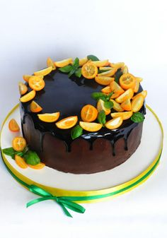 Francois J. Chocolate Drizzle Cake, Chocolate Orange, Buttercream Cake Designs, New Year's Cake, Fantasy Cake, Berry Cake, Sweet Pastries, Dessert Decoration, Drip Cakes