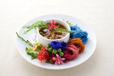 ขนมจีนดอกไม้กับแกงไตปลา