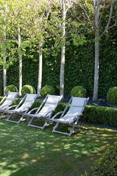 Relaxing garden seats