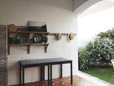 El porche Shelves, Home Decor, Apartments, Shelving, Decoration Home, Room Decor, Shelving Units, Home Interior Design, Planks