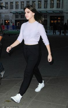 Top of the crops: Hailee Steinfeld showed off her strong fashion chops once again in a cute and casual combination as she arrived at the BBC Studios in London, England, on Friday