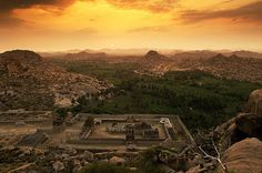 Hampi, Hospet Karnataka, believed to be the bouldering capital of India! Fall Of Constantinople, Ruined City, Karnataka, Hampi India, Hindu Temple, India Travel, Incredible India, World Heritage Sites, Beautiful World
