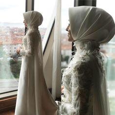 Yes, the most elegant bride I've ever prepared. Muslimah Wedding Dress, Muslim Wedding Dresses, Muslim Dress, Bridal Wedding Dresses, Dream Wedding Dresses, Bridesmaid Dresses, Hijab Gown, Hijab Evening Dress, Hijab Style Dress