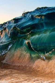 amazing photo of a wave in motion - ocean - sea - nature - photography Sea And Ocean, Ocean Beach, Ocean Waves, Water Waves, Big Waves, No Wave, All Nature, Amazing Nature, Pretty Pictures