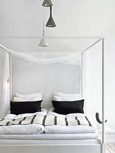 Decor like a pro with these bedroom design ideas! The home design ideas to have the dreamlike bedroom you've ever wanted! White Bedding, White Bedroom, Dream Bedroom, Master Bedroom, White Linens, Striped Bedding, Bedroom Bed, Bedroom 2017, Monochrome Bedroom
