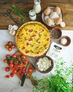 Πολύ νόστιμη κις με ντοματίνια και φέτα Quiche, Camembert Cheese, Tart, Cooking, Food, Kitchen, Pie, Essen, Quiches