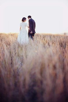 Jonas peterson photography.long grass bride and groom