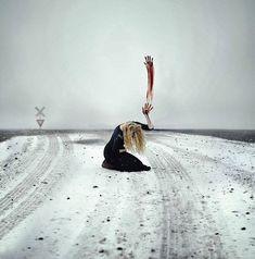As poderosas e surreais fotografias de uma jovem fotógrafa de 20 anos