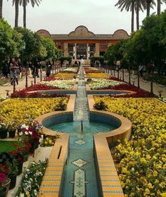 Persian Architecture, Cultural Architecture, Architecture Design, Beautiful Photos Of Nature, Beautiful Places To Travel, Wonderful Places, Iran Pictures, Shiraz Iran, Persian Garden