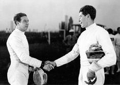 Gustavo Marzi: scherma, 7 medaglie olimpiche. nato nel 1908 e morì nel 1966. Partecipò alle Olimpiadi del 1928, del 1932 e del 1936, gareggiando nella sciabola e nel fioretto e vincendo due ori e cinque bronzi. Iniziò con un argento a squadre nella sciabola e terminò a Berlino con un un oro nella sciabola a squadre e due argenti nel fioretto – individuale e a squadre