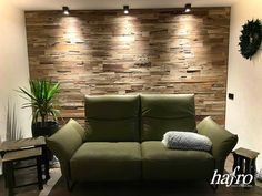 STÄRKE: 16 mm FORMAT: 700 x 200 mm AUFBAU: 9 mm Sperrholzträger #hafroedleholzböden #parkett #böden #gutsboden #landhausdiele #bödenindividuellwiesie #vinyl #teakwall #treppen #holz #nachhaltigkeit #inspiration Teak, Sofa, Couch, 9 Mm, Vinyl, Inspiration, Furniture, Home Decor, Wood Floor