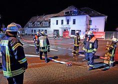 Gebäude sollte abgerissen werden – Flüchtlingsunterkunft geplant +++  Feuer in ehemaliger Gaststätte