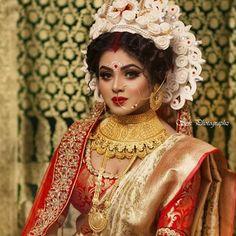 Indian Bridal Photos, Indian Bridal Outfits, Indian Bridal Fashion, Bridal Dresses, Indian Wedding Bride, Bengali Wedding, Bengali Bride, Pakistani Bridal, Beautiful Girl Indian