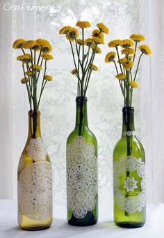 DIY Wedding Centerpieces: Add paper doilies to empty wine bottles for delicate feel Reuse Wine Bottles, Wine Bottle Crafts, Jar Crafts, Bottle Art, Empty Bottles, Recycled Bottles, Glass Bottles, Wood Crafts, Wine Glass