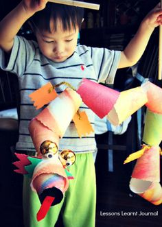 Chinese New year Dragon Marionette using paper/foam cups. Great kids activity.