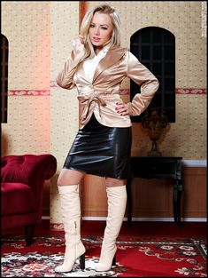 My Favorite Fetish: Photo Skirts With Boots, Dresses With Leggings, Stiletto Boots, High Heel Boots, Leather Corset, Leather Skirt, Look Fashion, Fashion Boots, Celebrity Boots