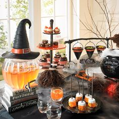Halloween decorations aren't solely confined to outside. Actually, Halloween table decoration is some thing that I am positive you really care about. But developing a table decoration means becoming creative and mad at precisely the exact same moment. Spooky Halloween, Halloween Food For Party, Halloween Birthday, Outdoor Halloween, Happy Halloween, Halloween Recipe, Halloween Cupcakes, Halloween Table Decorations, Halloween Home Decor