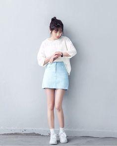 #korean #fashions #streetstyles Photo by Shop : BALONEYBKK (HipnChic App)